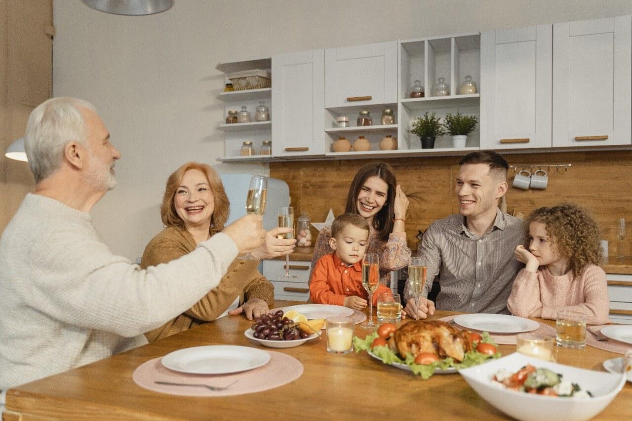 Acción de Gracias: ¿Qué Es y Cómo Se Celebra?